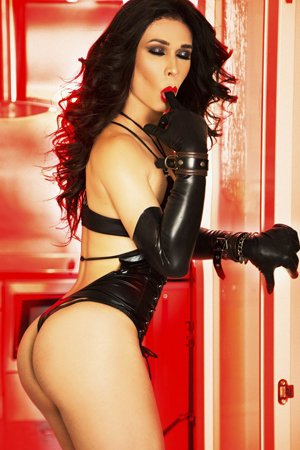 TS Flavia Lima London Ladyboy