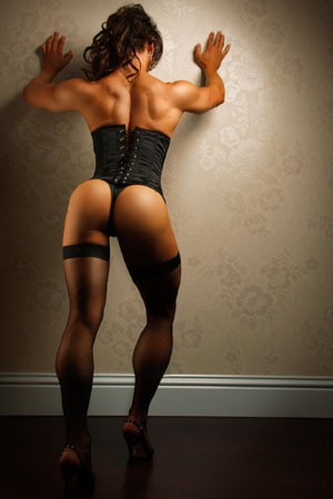 Muscle Worship Tranny Escort Gloria