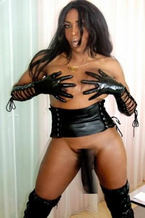 Brazilian Shemale Escort Suzanna Holms