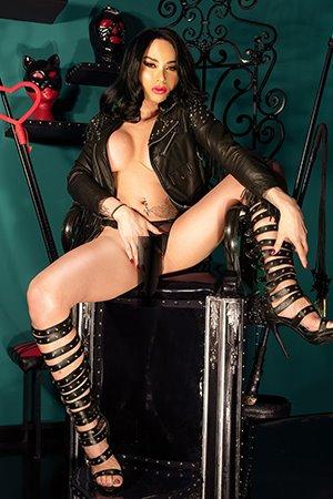 Striptease Shemale London escorts