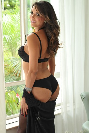 Shemale Escort Flavia London Bridge