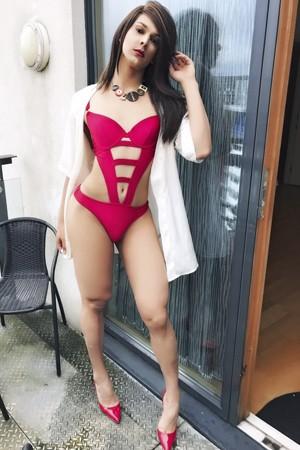 Horny Transvestite Party Call Girl